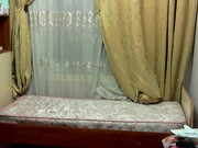 одноместная кровать в хорошем состоянии с полуортопедическим матрасом